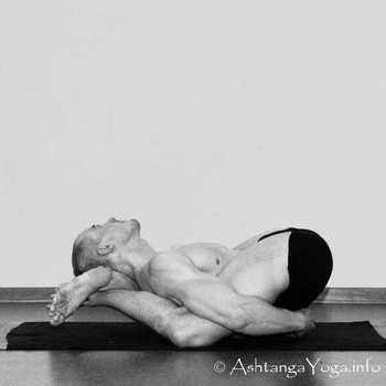 17-Yoga-Nidrasana.jpg